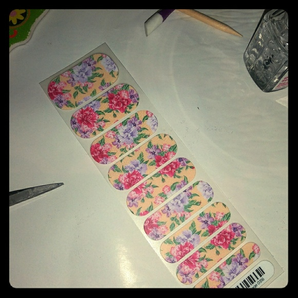 Jamberry Other - Jamey nail wraps summer cottage